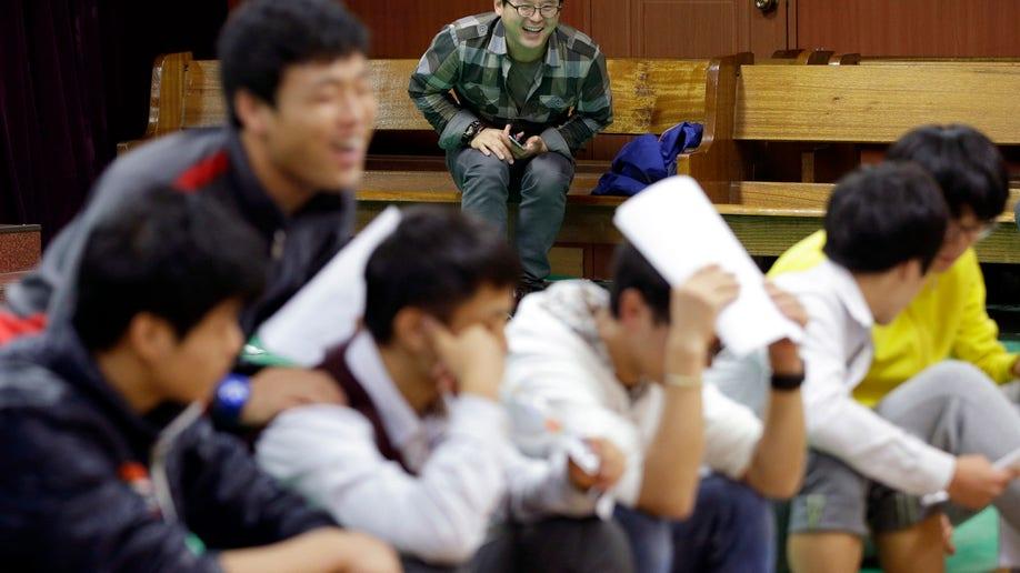 165d17f4-South Korea Koreas Defector Family