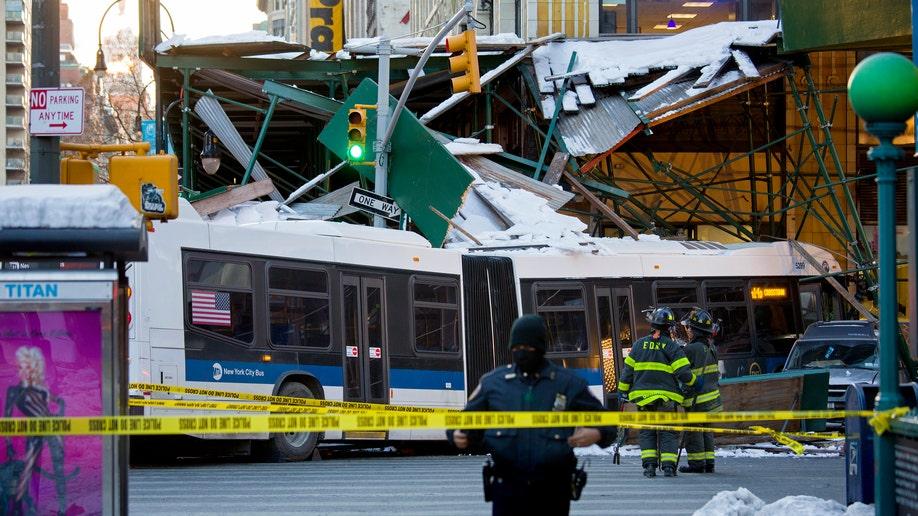 e1c8ded3-Bus Truck Crash
