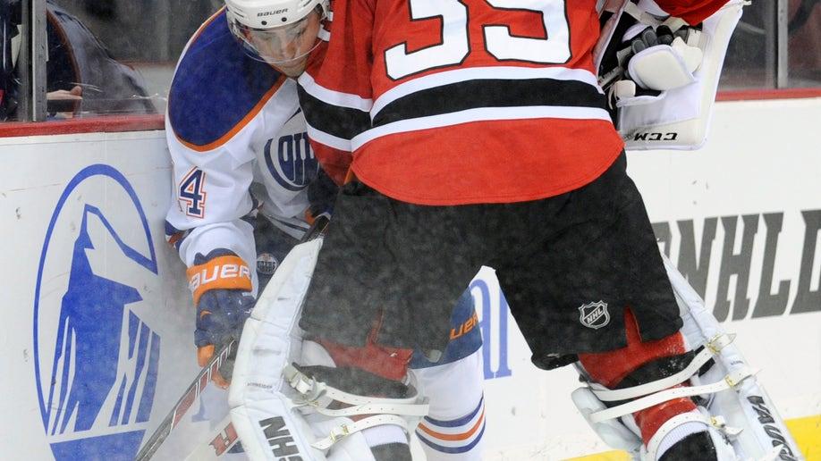 7fe8bc29-Oilers Devils Hockey