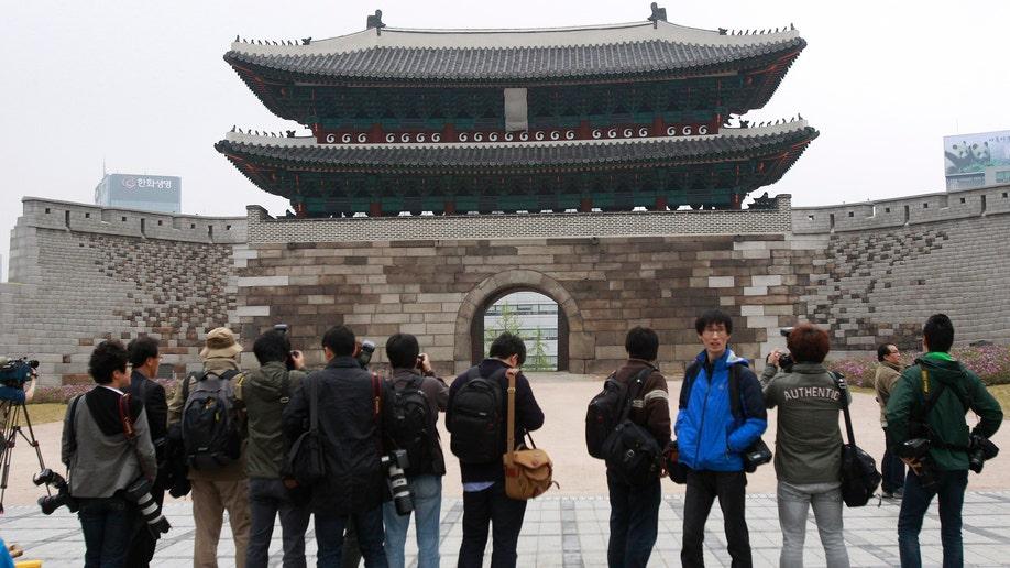 8b2906a6-South Korea Landmark Reopening