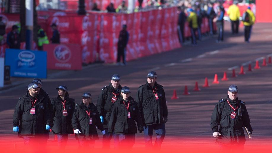 225913f3-APTOPIX Britain Marathon Security
