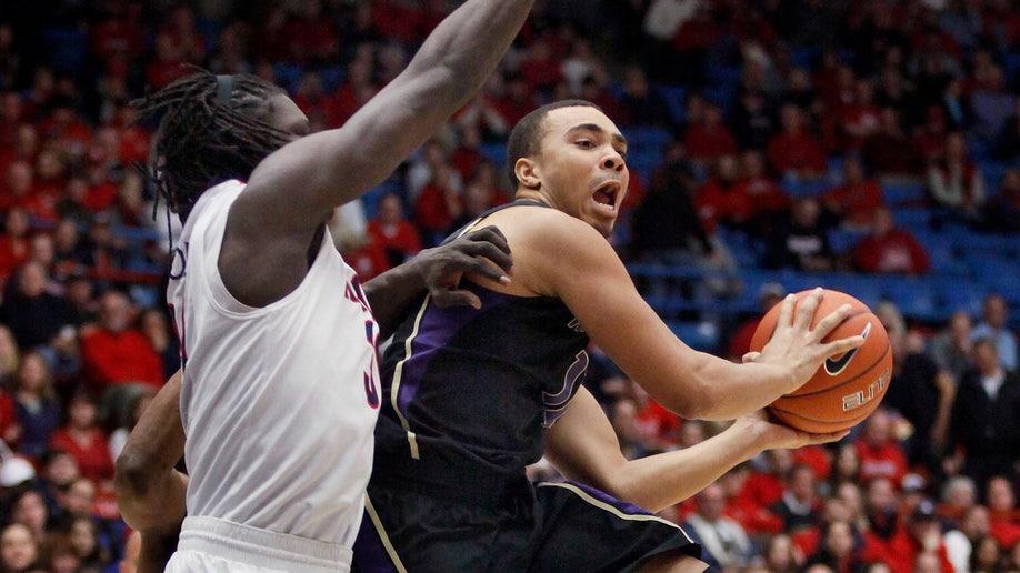 aa94ff72-Washington Arizona Basketball