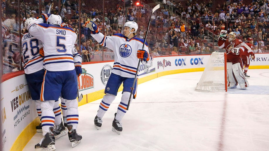 57b6aced-Oilers Coyotes Hockey