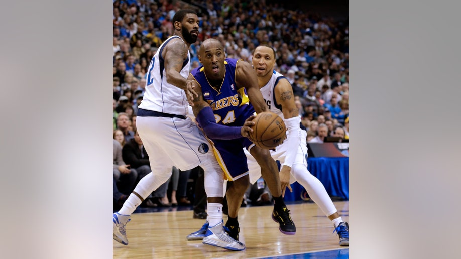 95a0eb6f-Lakers Mavericks Basketball