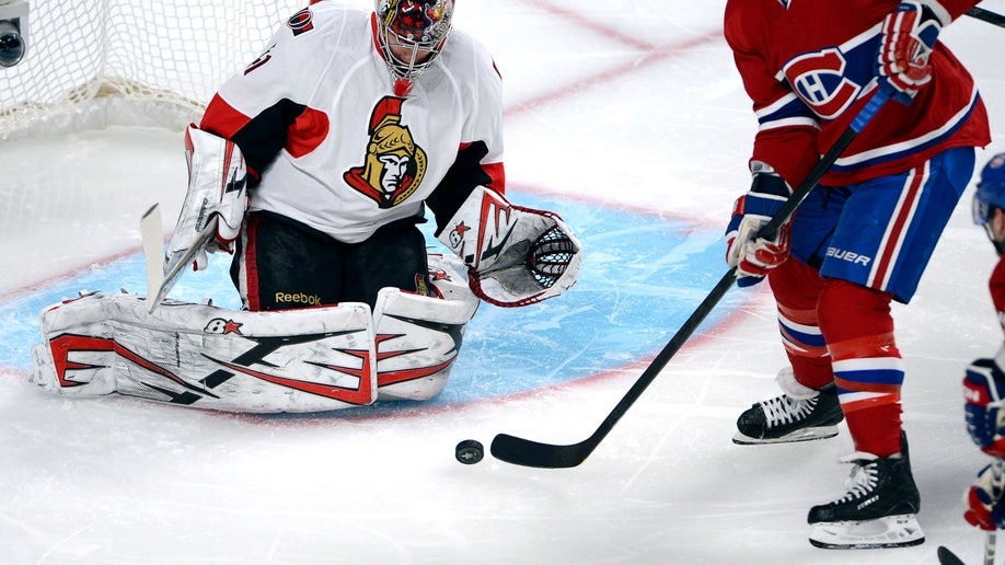 36133474-Senators Canadiens Hockey