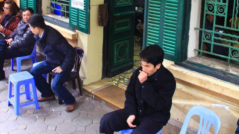 348991f9-Vietnam First Starbucks