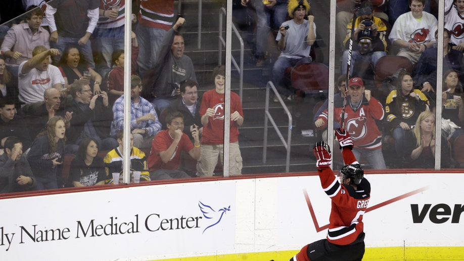 3a5e48d3-Bruins Devils Hockey