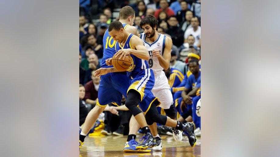 35d55bdb-Warriors Timberwolves Basketball