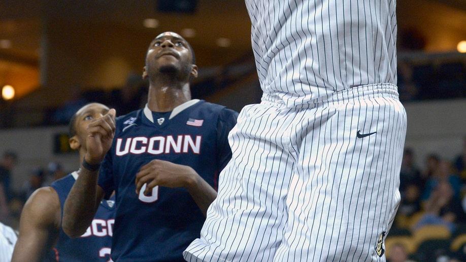 a27d1a08-UConn UCF Basketball