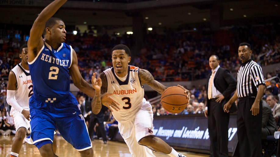 23b3bbd6-Kentucky Auburn Basketball