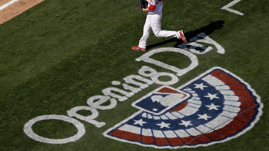 776c2f26-Royals Phillies Baseball
