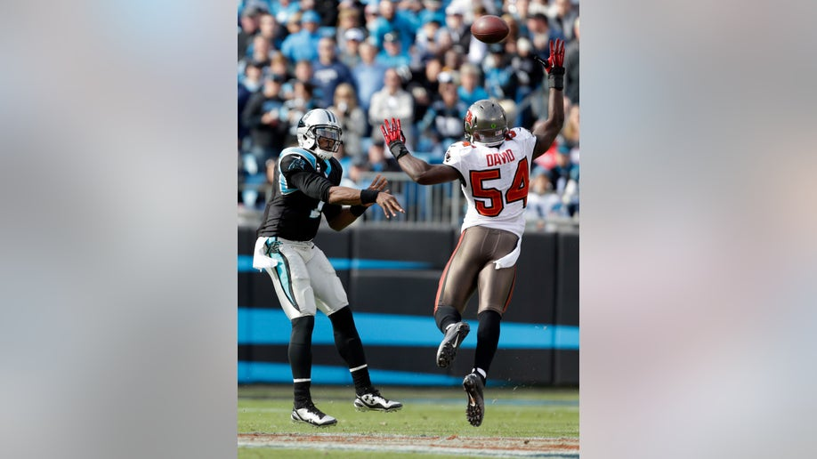 96170592-Buccaneers Panthers Football