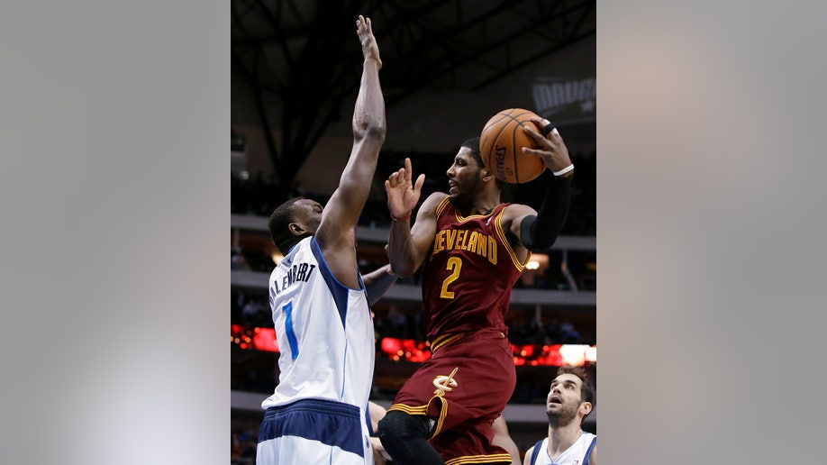 215a2d64-Cavaliers Mavericks Basketball