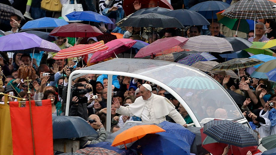 561b2538-Vatican Pope