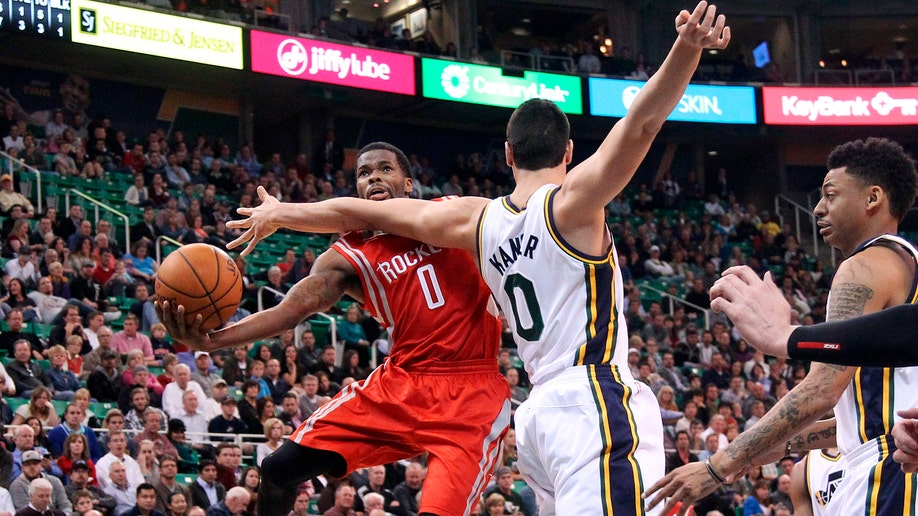 47b6957b-Rockets Jazz Basketball