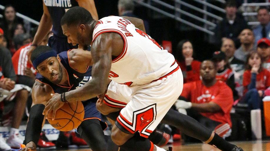 8a072f35-Bobcats Bulls Basketball