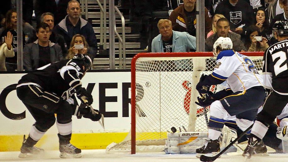 433c0530-Blues Kings Hockey