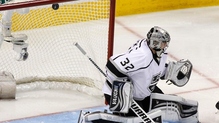 3ae55fa8-Kings Sharks Hockey