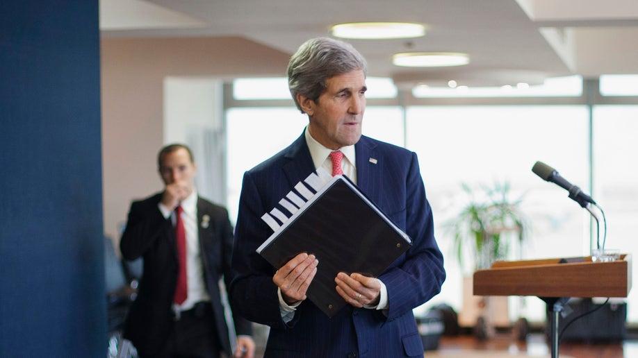 34f1eb34-Mideast Israel Palestinians Kerry