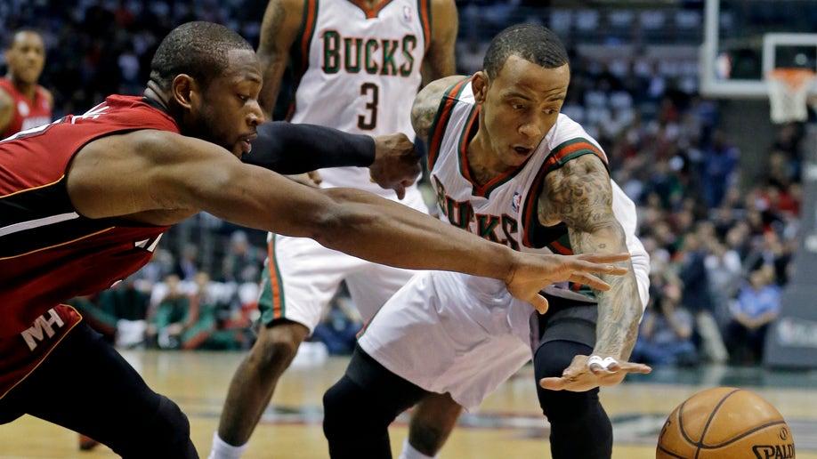 3c0a45fe-Heat Bucks Basketball