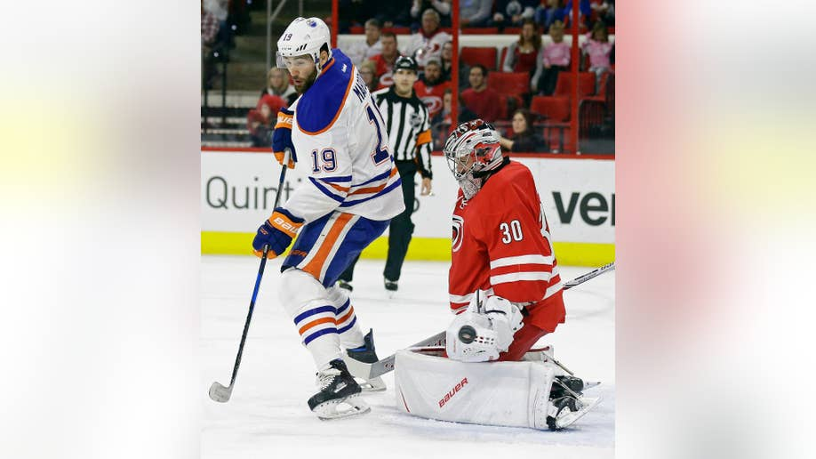 Aho scores winning goal to lead Hurricanes past Oilers 2-1  3b9c6965f