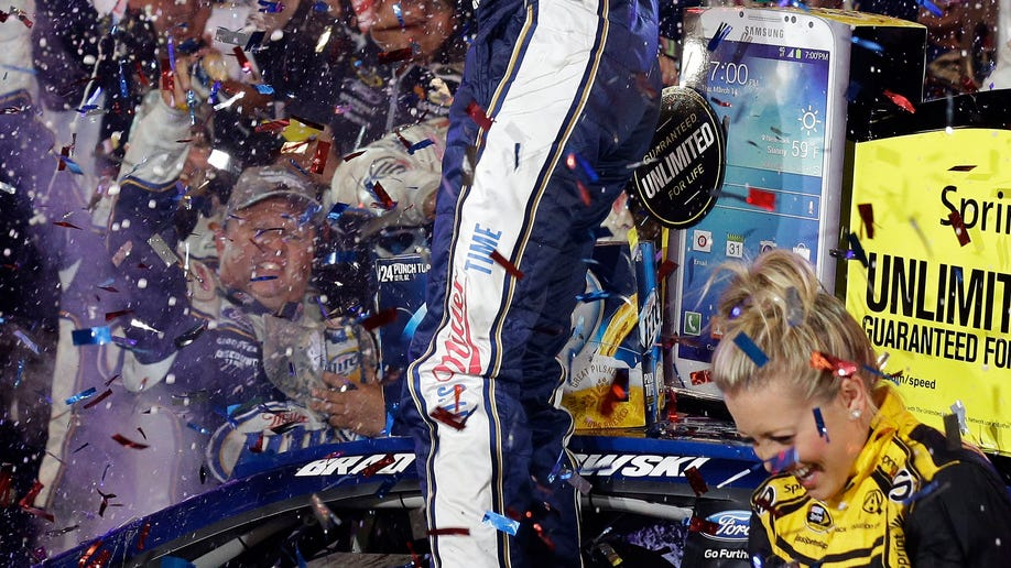0a759b22-NASCAR Charlotte Auto Racing