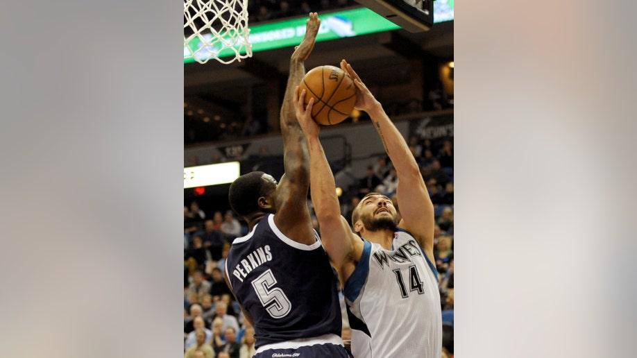 5b4857c8-Thunder Timberwolves Basketball