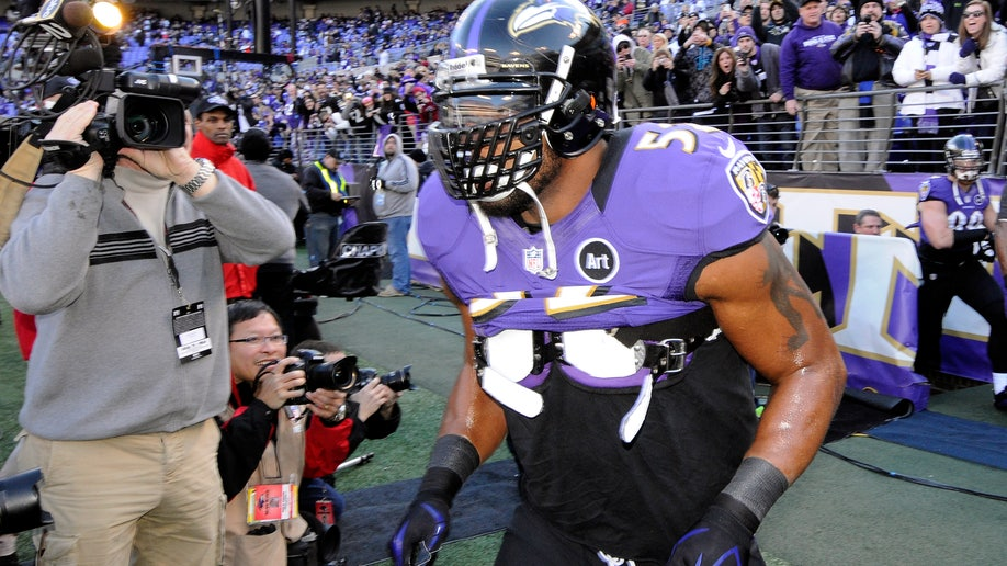 c6030341-Colts Ravens Football