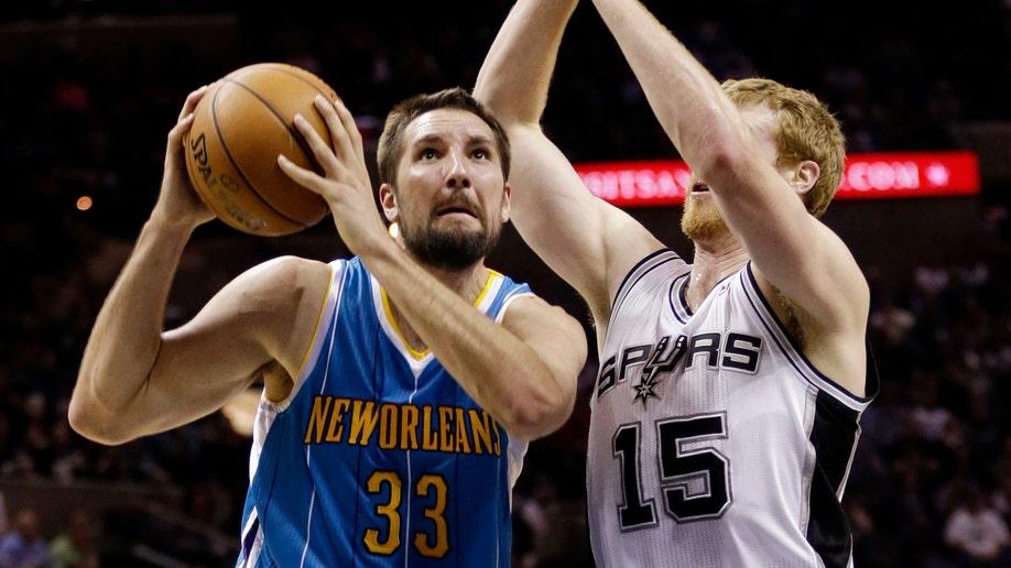 Hornets Spurs Basketball