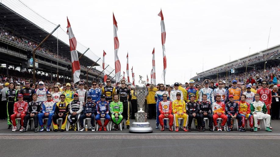 06ddacc9-IndyCar Indy 500 Auto Racing