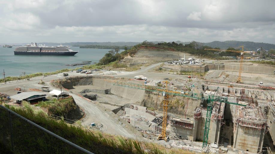 e5804438-Panama Canal