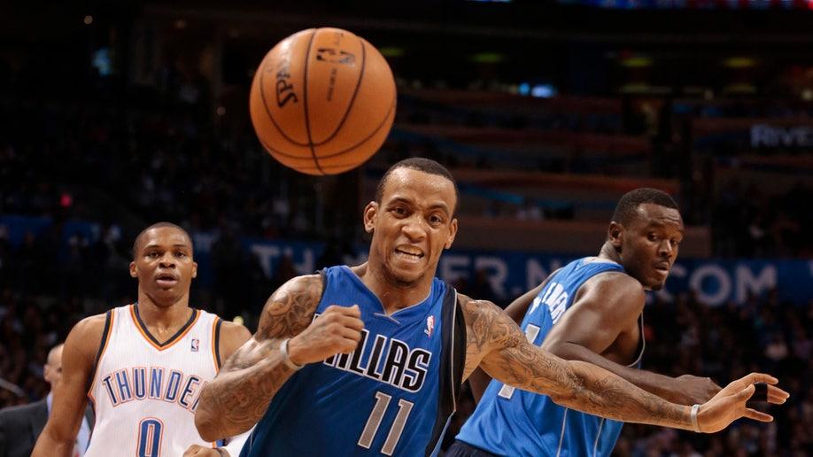 1a40404d-Mavericks Thunder Basketball
