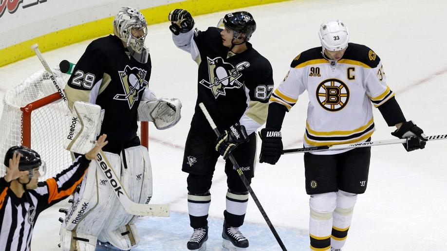 ed94cfa0-Bruins Penguins Hockey