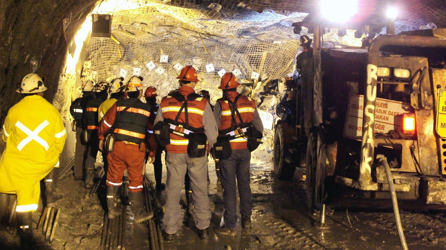 ea557b03-Indonesia Mine Collapse