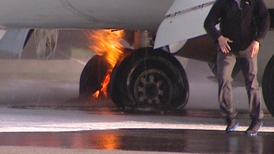 8af882a1-Russia Plane Fire