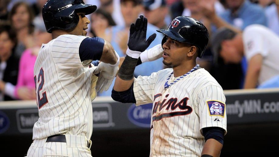6dc759b8-Brewers Twins Baseball