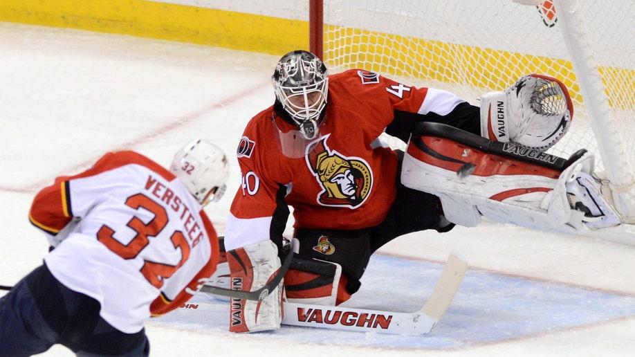 09ee3428-Panthers Senators Hockey