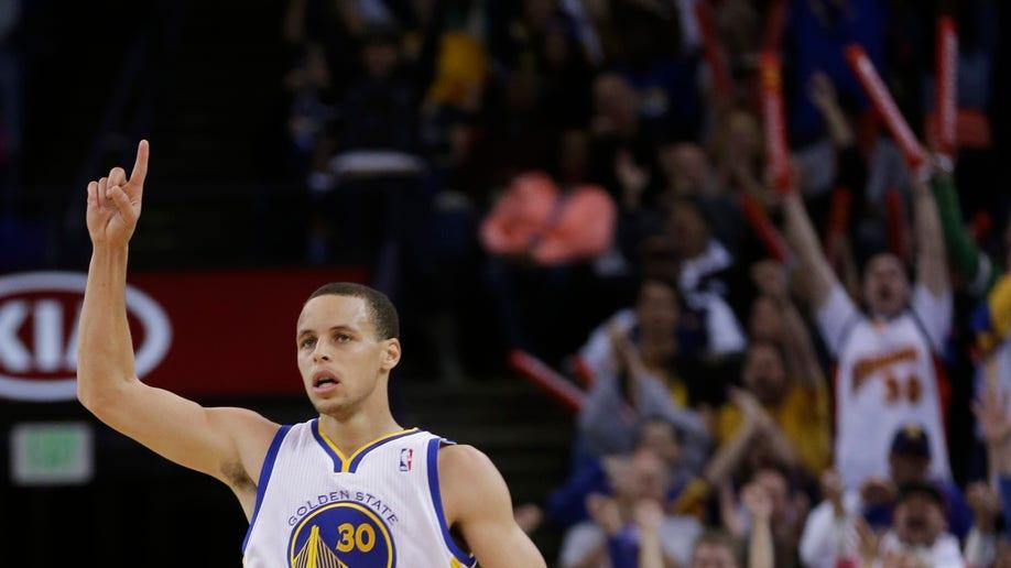 6589a317-Spurs Warriors Basketball