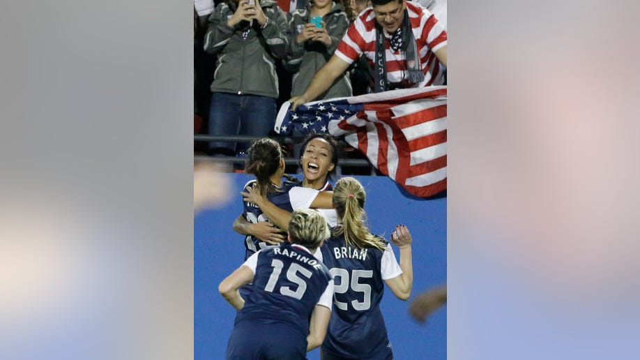215a2d64-US Women Canada Soccer
