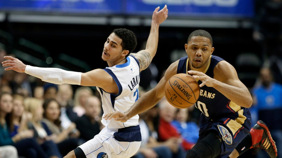 dd4dc77f-Pelicans Mavericks Basketball