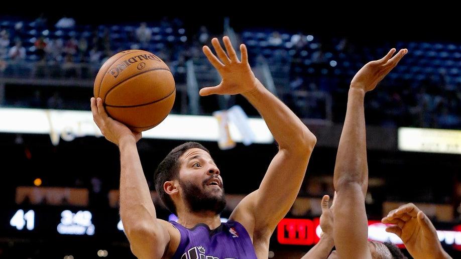 37bc8623-Kings Suns Basketball