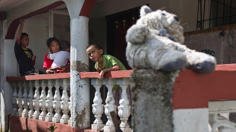 ccd2acab-Philippines Typhoon Orphans