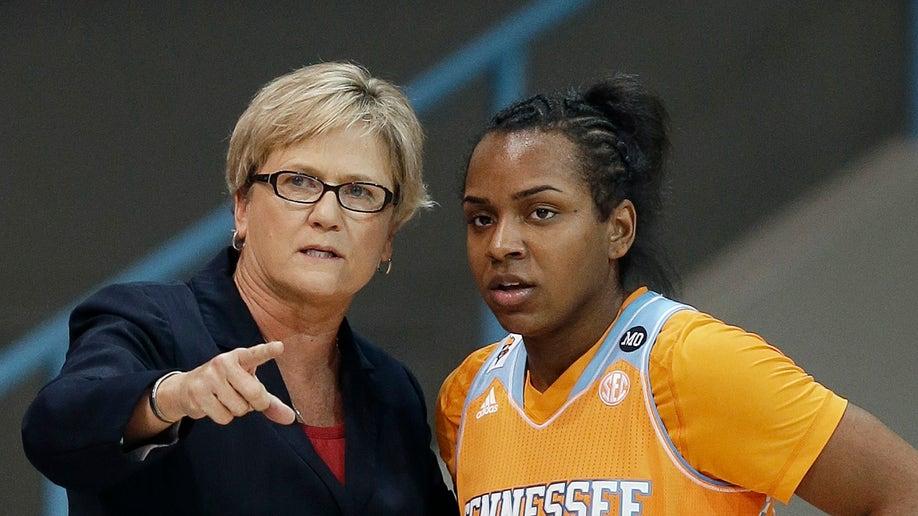 Tennessee N Carolina Basketball