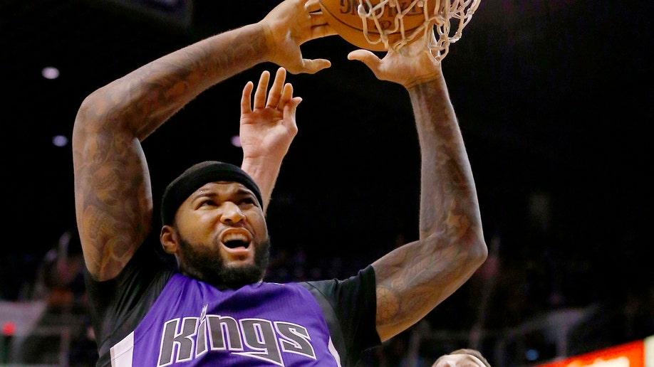 25663de6-Kings Suns Basketball