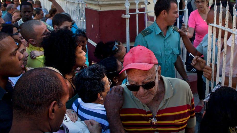 0825487c-Cuba Travel