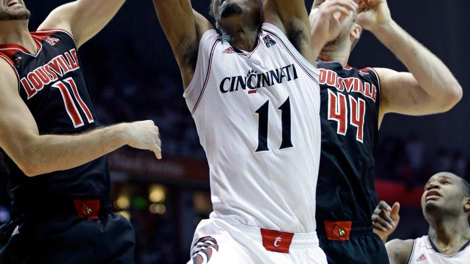 dcf66e21-Louisville Cincinnati Basketball