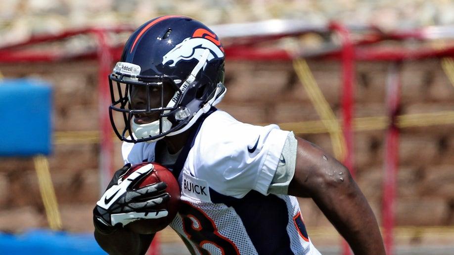 e280f5d0-Broncos Rookies Football