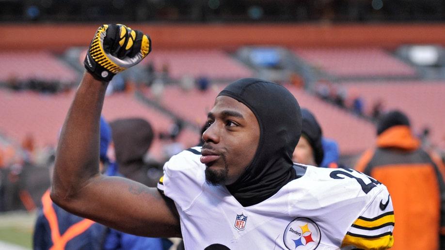 25663de6-Steelers Browns Football