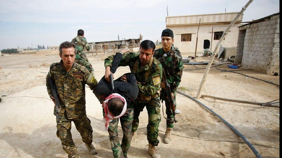 bf2c77e3-Mideast Iraq Syria Fatwa