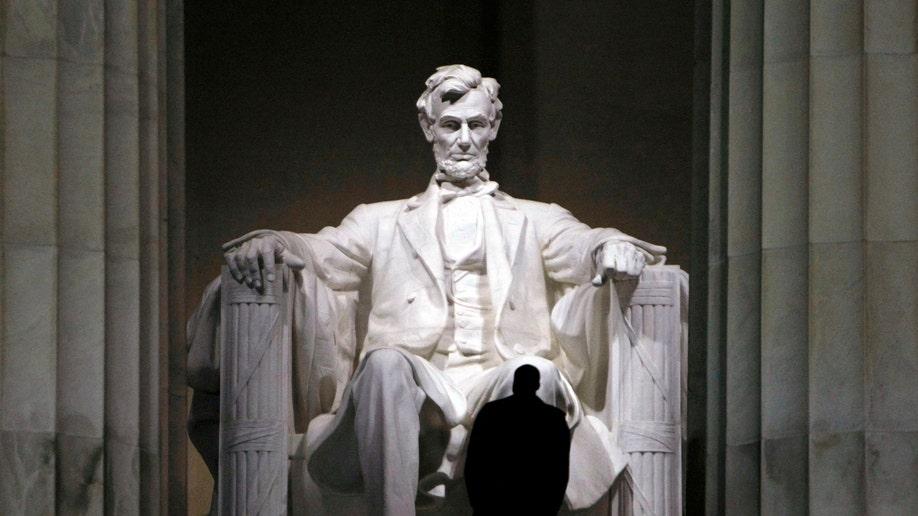 Travel-Trip-Lincoln in Washington